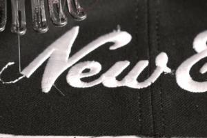 Costura del logo de New Era