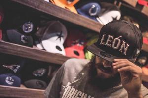 465c7af1439d6 New Era sigue expandiendo territorio y ahora tocó inaugurar la primera  tienda oficial de la mejor marca de gorras fuera de la Ciudad de México y  su cuarta ...